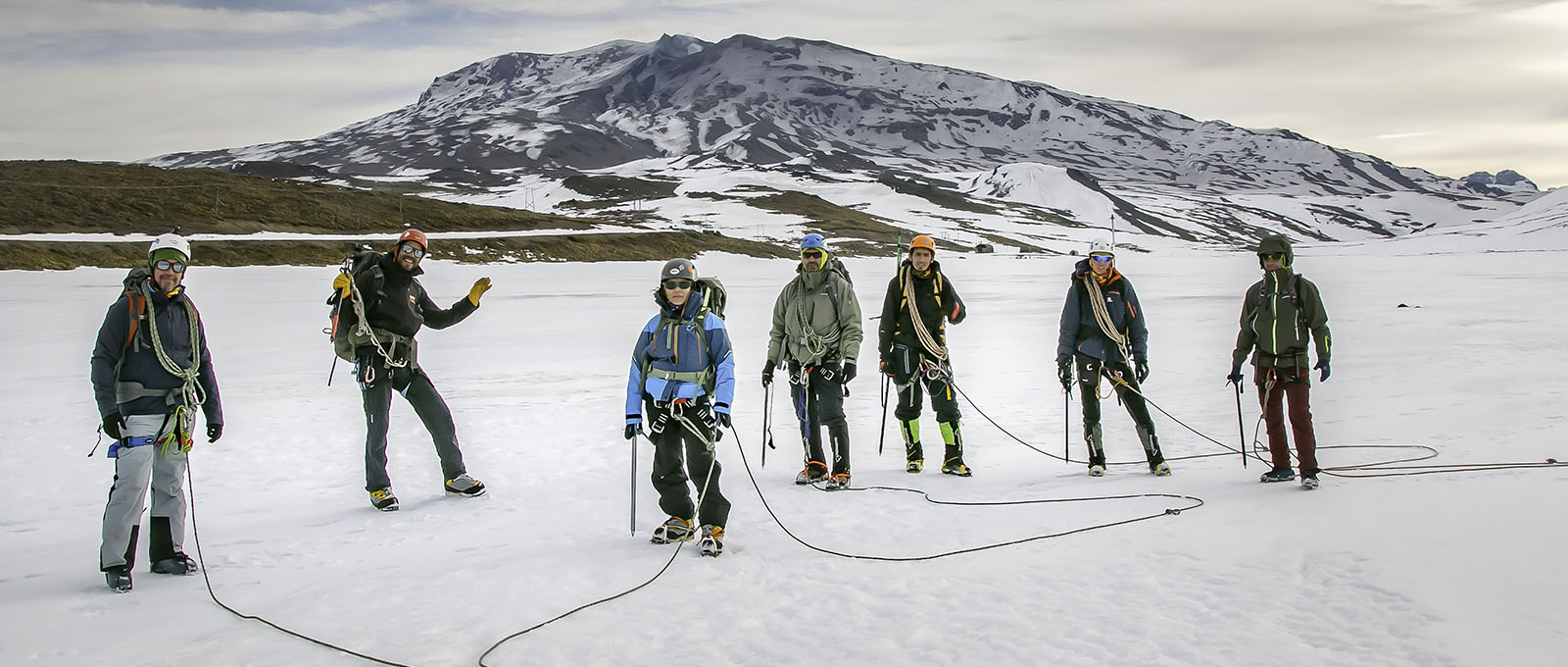 RAFTING Y TRAVESIAS EN KAYAKS