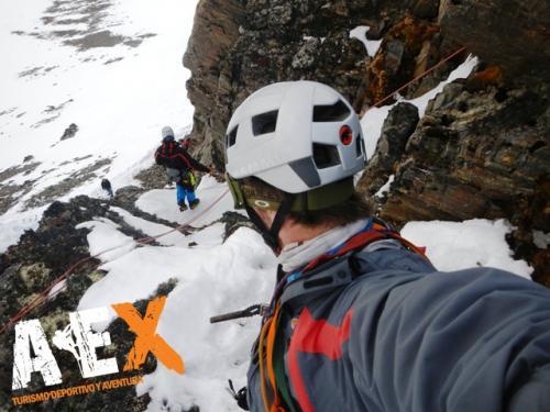 Curso de Nieve escalada en Hielo montana invernal 09