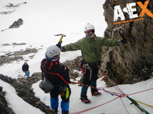 Curso de Nieve escalada en Hielo montana invernal 12