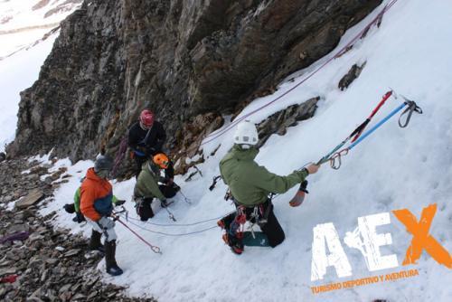 Curso de Nieve escalada en Hielo montana invernal 17