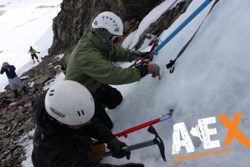 Curso de Nieve escalada en Hielo montana invernal 18