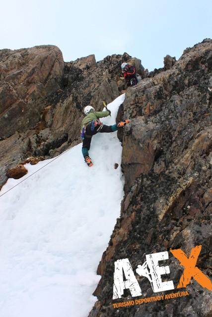 Curso de Nieve escalada en Hielo montana invernal 20