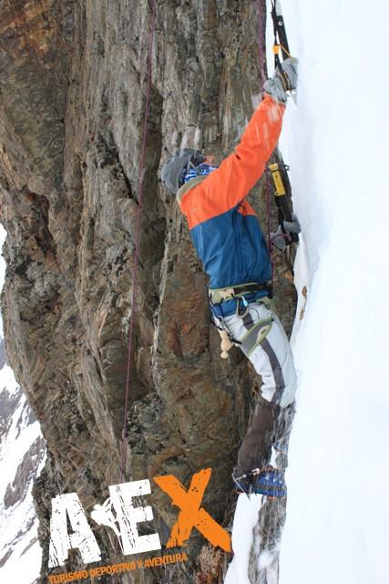 Curso de Nieve escalada en Hielo montana invernal 21