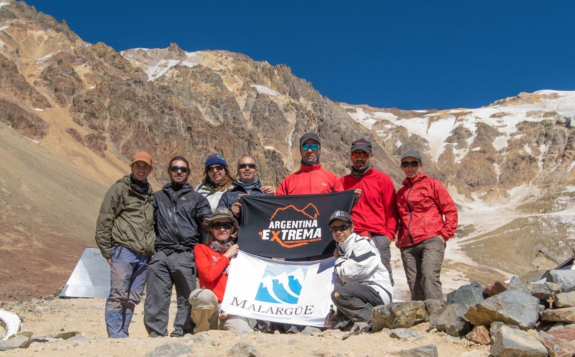 Grupo Avion de los uruguayos trekking