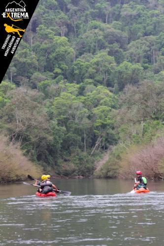 Raid Nautico Kayaking Bajada el Arroyo Yaboti Misiones 03