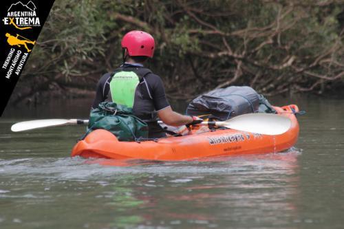 Raid Nautico Kayaking Bajada el Arroyo Yaboti Misiones 06