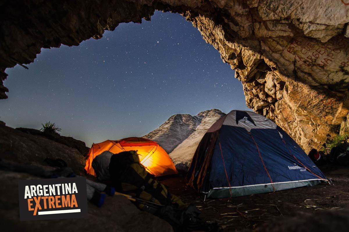 cueva guanacos tres picos