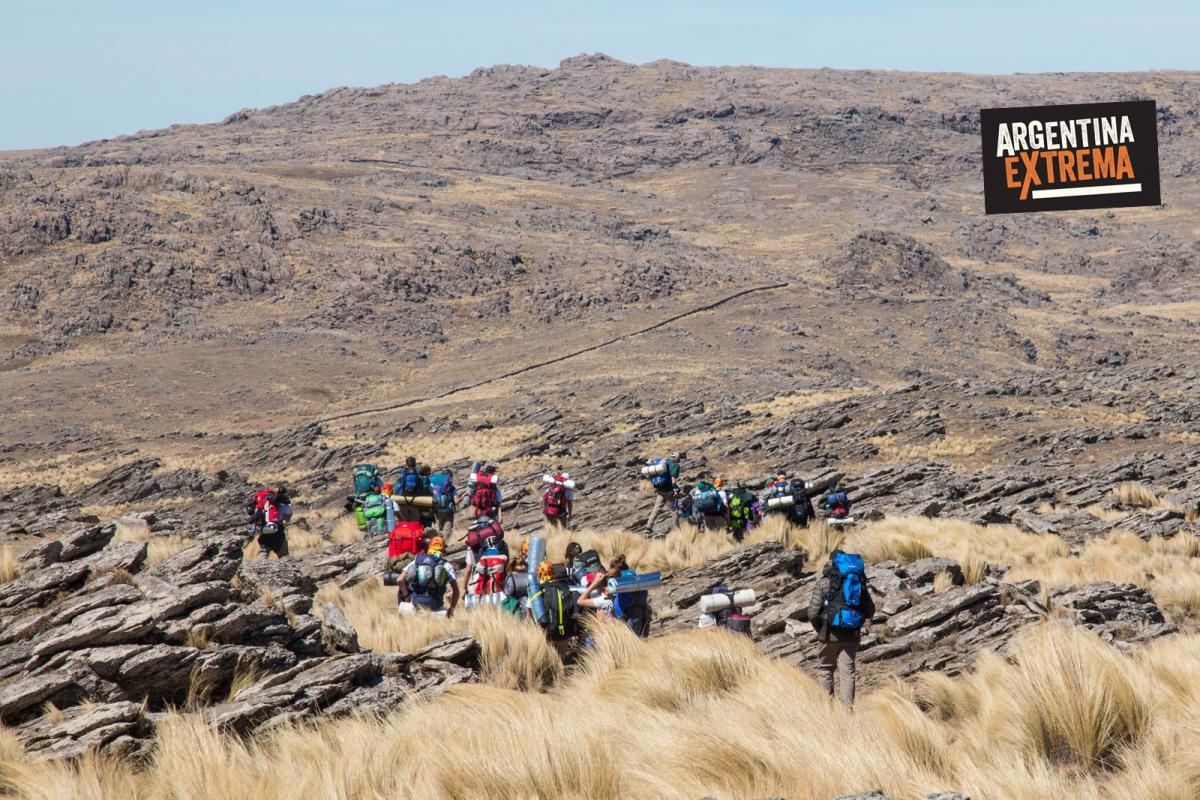 Colegio realizando Trekking Sobre las Sierras de los Comechingones