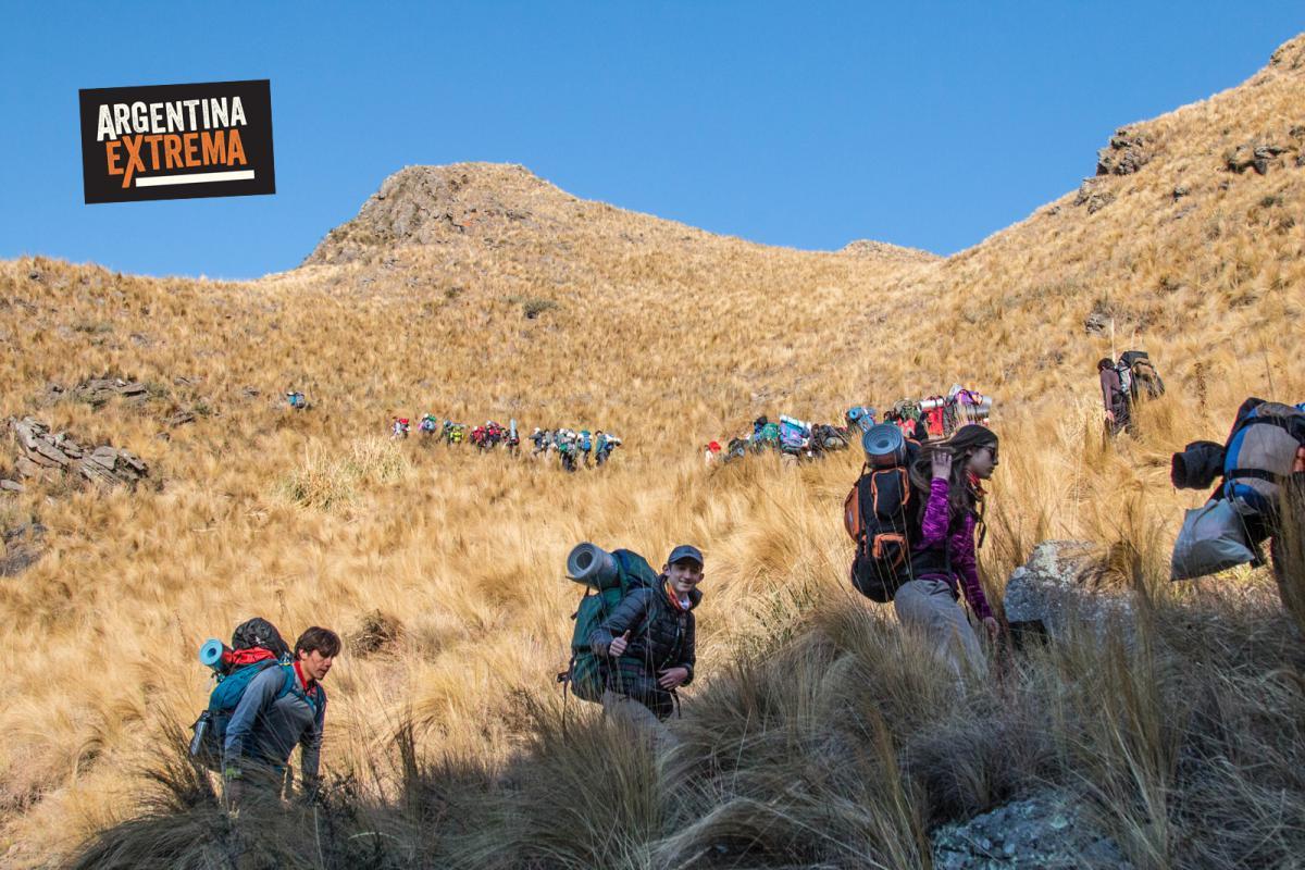 Ascendiendo desde pueblo Escondido - Trekking en la sierra de los Comechingones