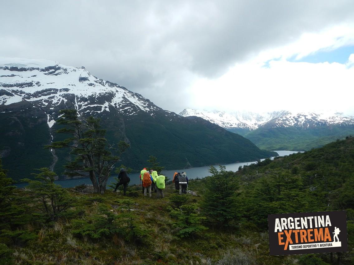 vista lago del desierto trekking Patagonia