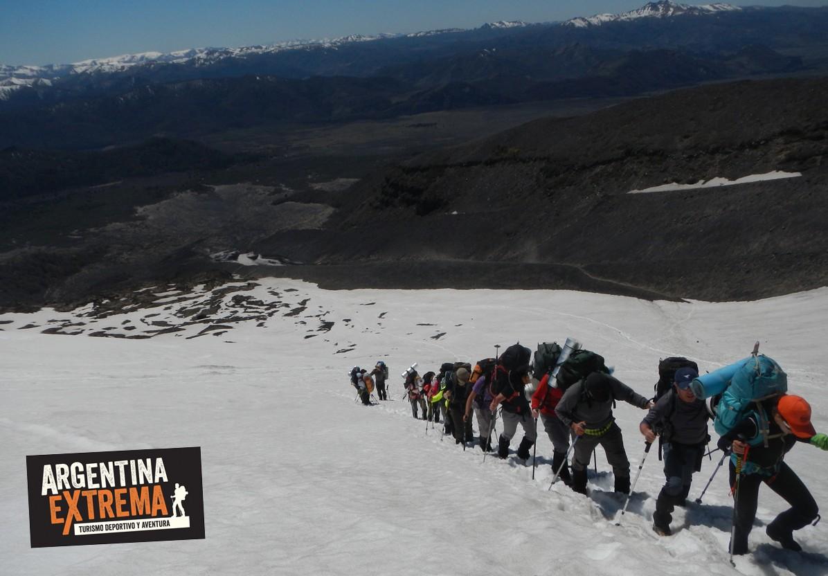 volcan Lanin nieve trekking