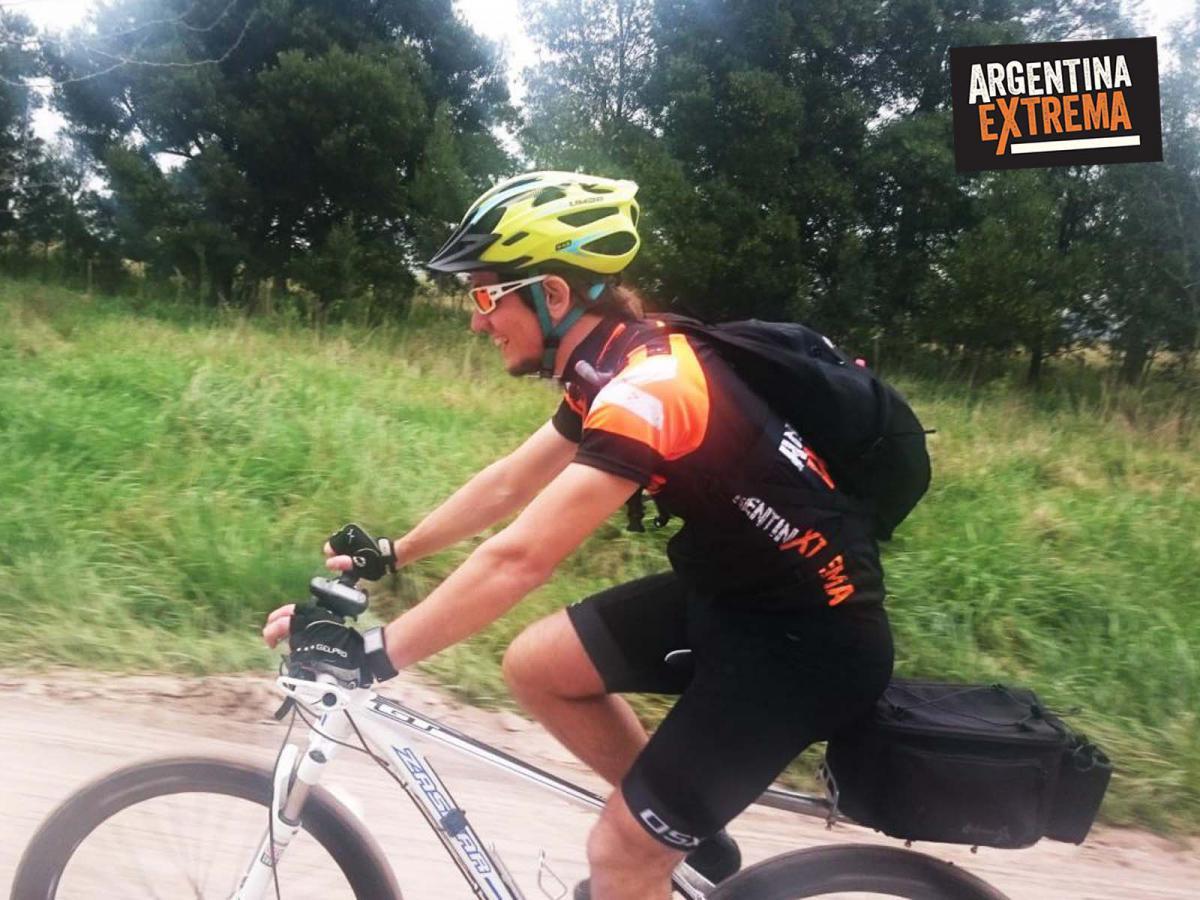 Carlos keen villa ruiz azcuenaga cicloturismo mtb 6