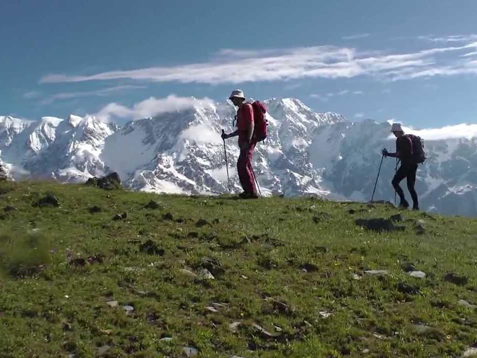armenia y georgia caucaso senderismo cultural 853