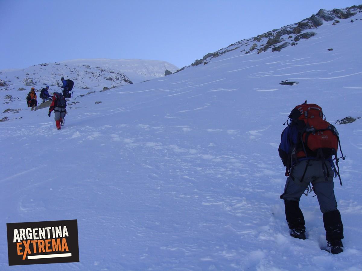 ascenso monte alvear ushuaia grupo entrenamiento 551