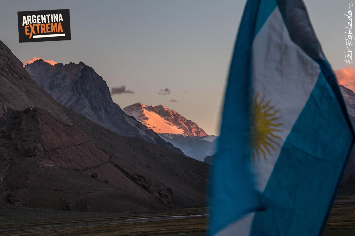 Vista de la Cara Oculta del Aconcagua, desde Valle Hermoso - Cruce de los Andes