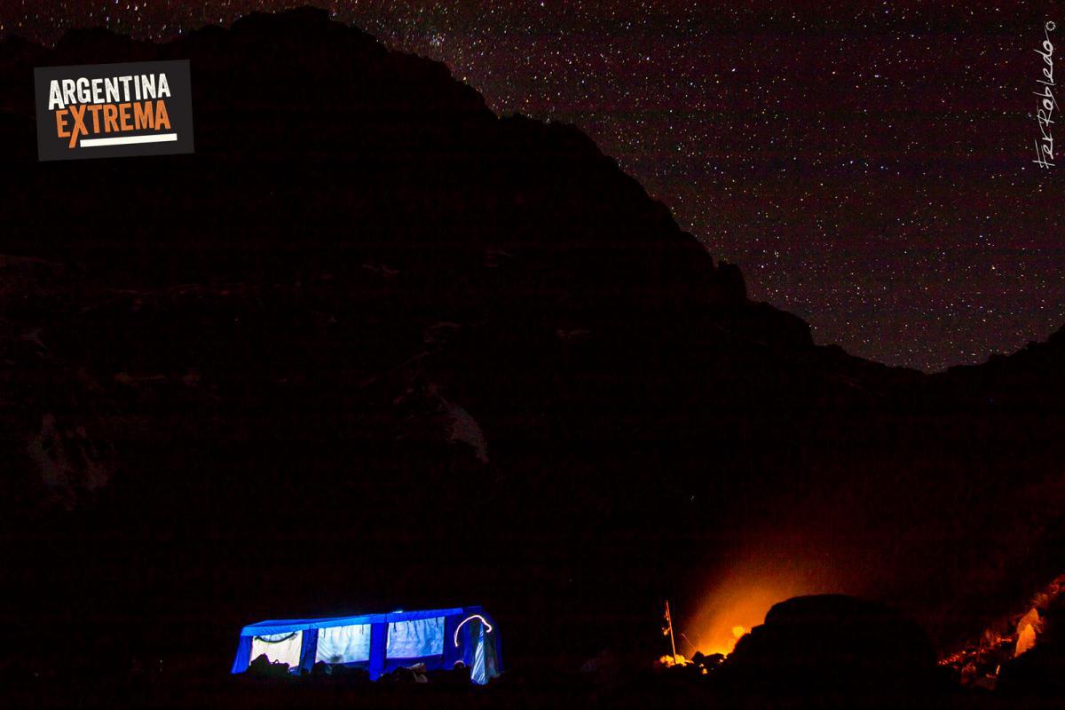 Campamento Ojo de Agua, Manto de estrellas y un gran Fogon