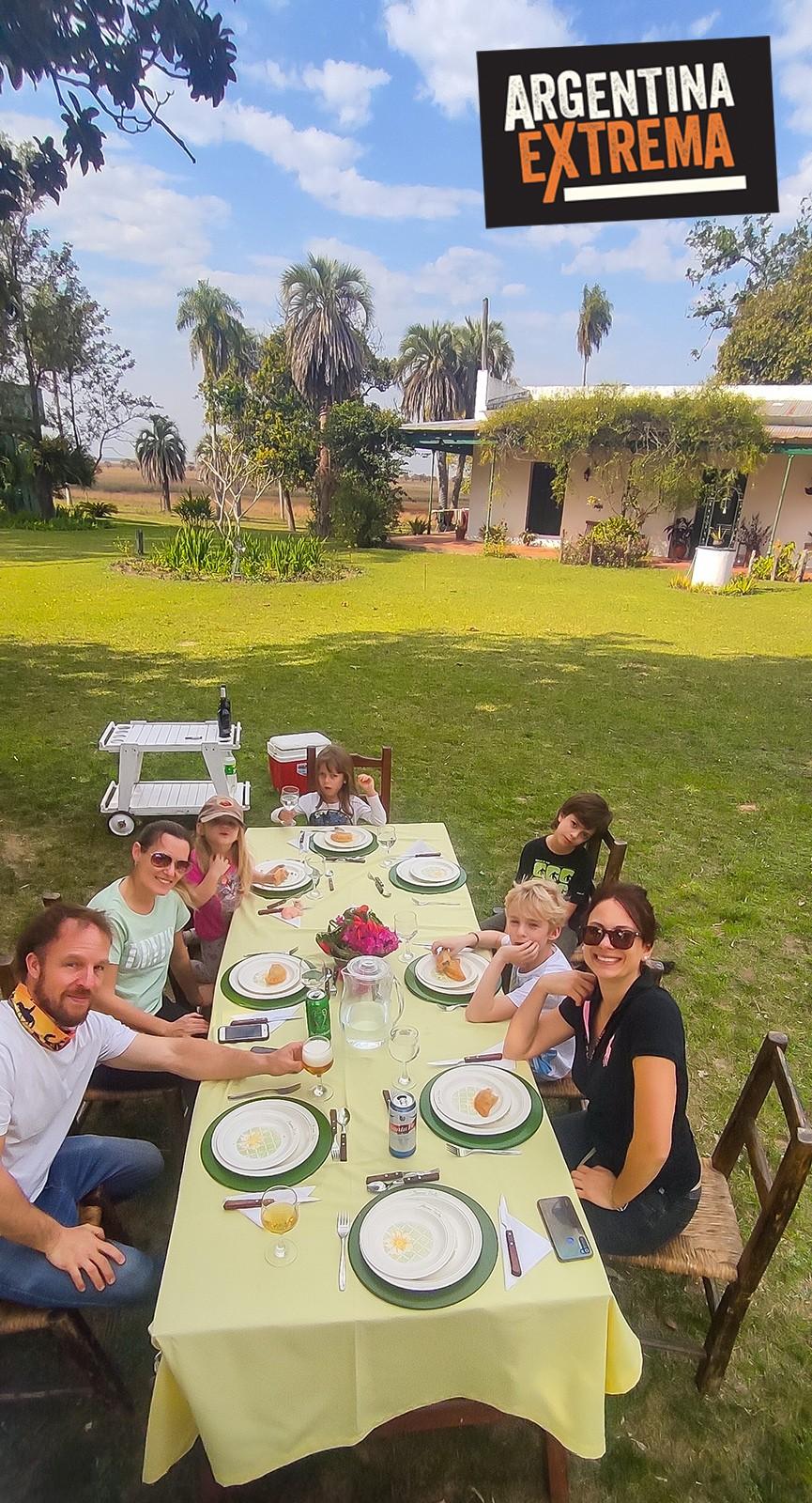 Almuerzo en los parques del Casco principal