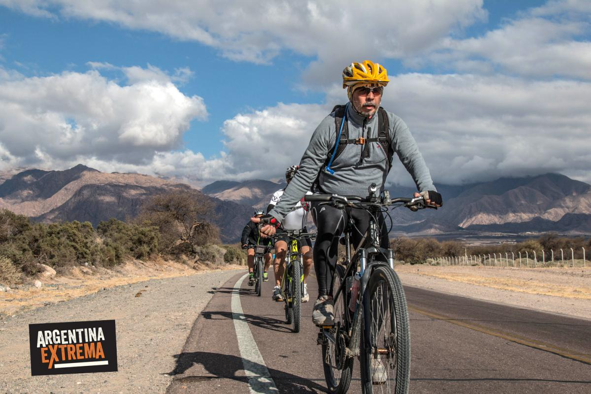 Ciclistas en las Quebradas de las Conchas