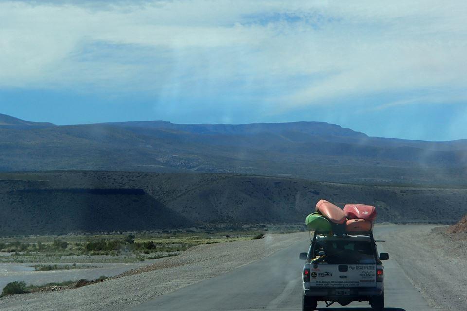 clinica de iniciacion al kayaking de aguas blancas716