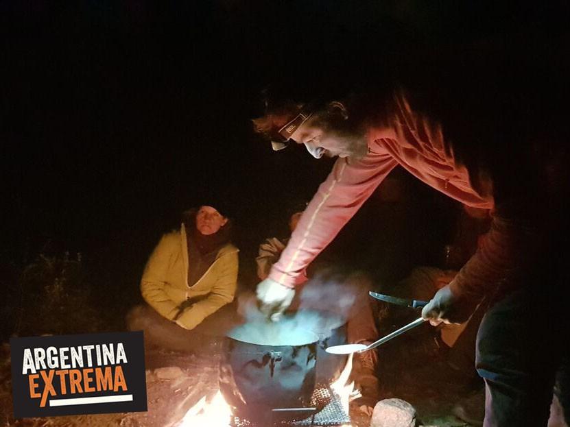 cena en el campamento