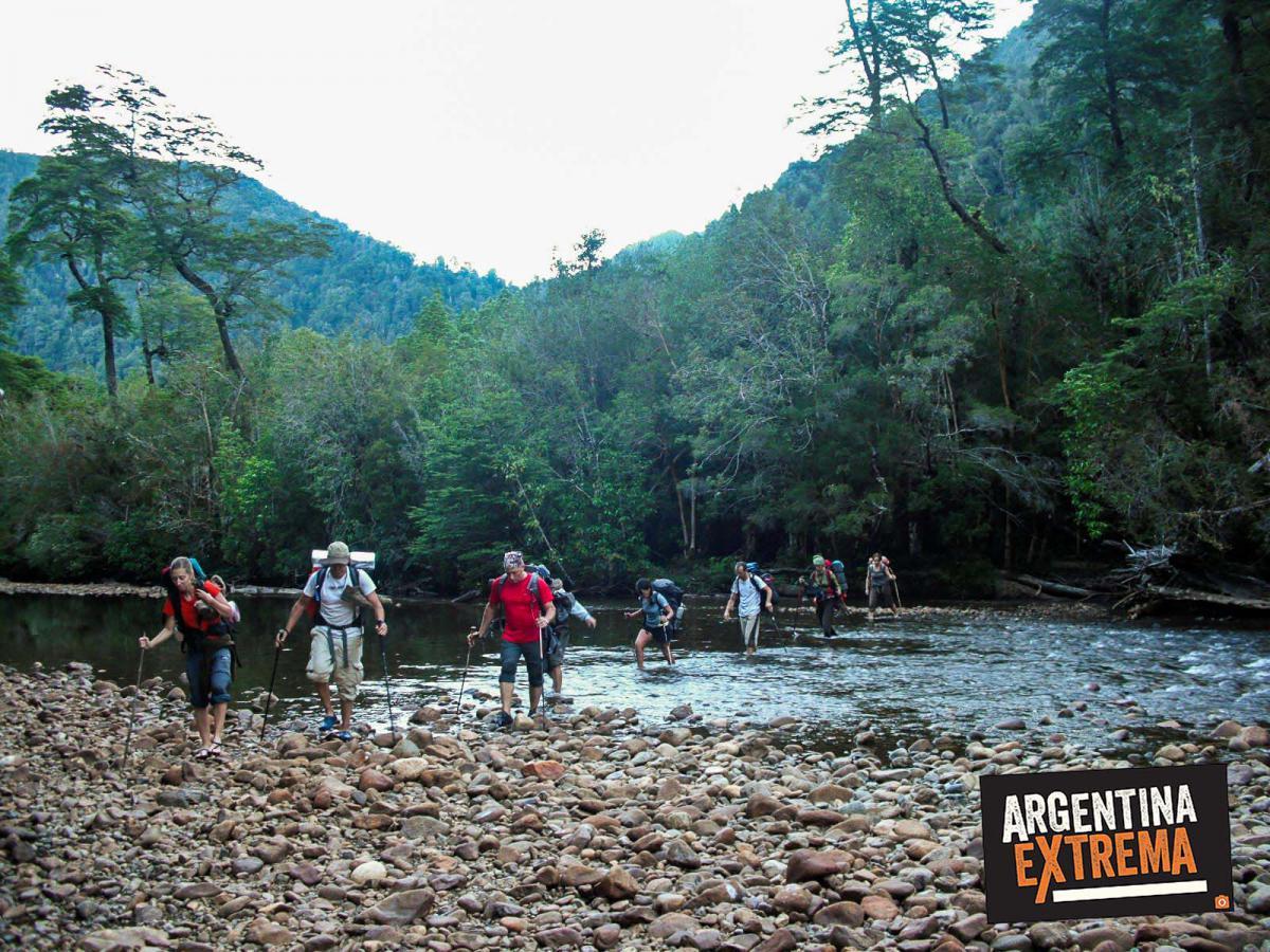 cruce andes vuriloche trekking patagonia bariloche