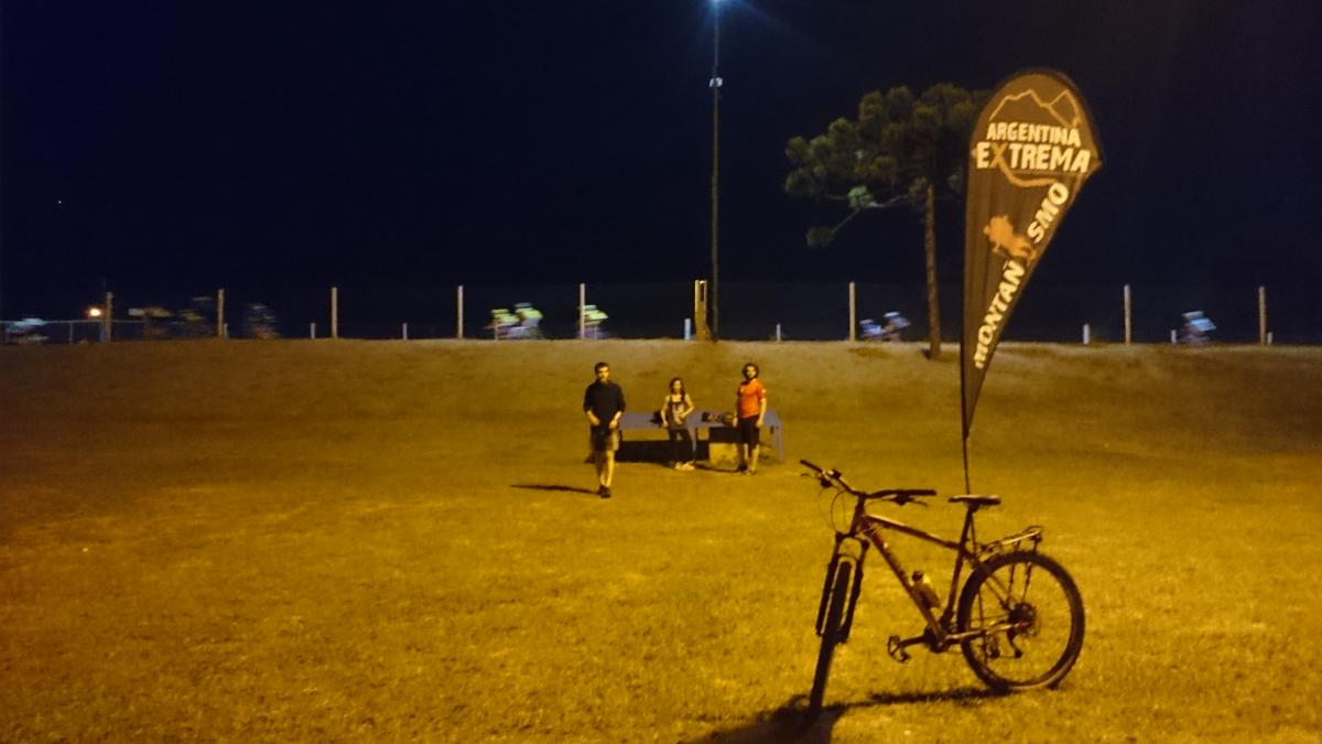 entrenamiento de bicicleta de montana mountain bike175