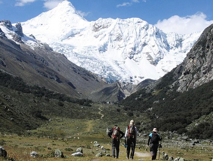 expedicion a cordillera blanca escalada ishinca y tocllaraju peru819
