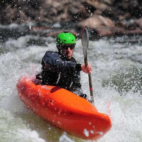 Clínica de Iniciación al Kayaking de Aguas Blancas - Kayak Summer Camp - San Juan