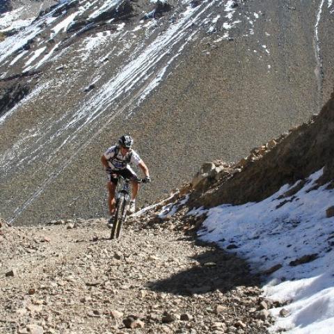 Cruce de los Andes en MTB - Malargue, Argentina - Paso Pehuenche - Talca, Chile