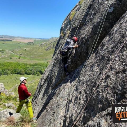 Curso de Escalada en Roca Básico Intensivo-Dictado en las sierras de Buenos Aires-2 días