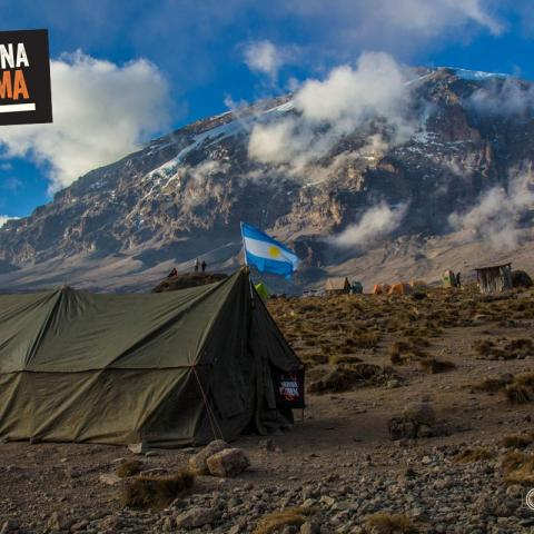 Expedición Monte Kilimanjaro - Techo de Africa - 7 cumbres - Kibo - Pico Uhuru - 31-12-1969 11 de Enero!