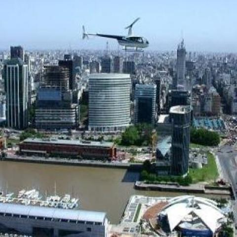 Enjoy the most beautiful flight sights of Buenos Aires.