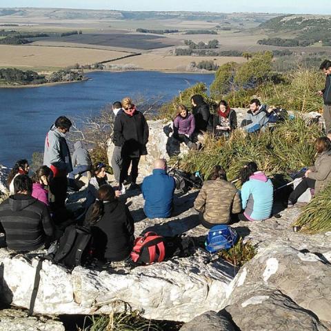 Miniturismo y Aventura en Laguna La Brava - Canotaje, trekking, Cabalgata - Sierras de Balcarce