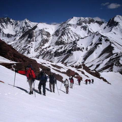 Miradores de Aconcagua - Cerro Serrata - Trekking y ascensionismo - Mendoza, Argentina