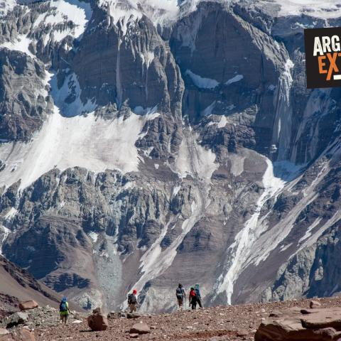 Short option of trekking in Aconcagua, camping two nights at Confluencia camp (3400)