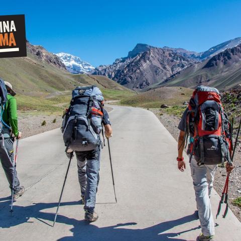 Aconcagua Trekking to Base Camp - Trekking - Plaza de Mulas - 1969-Dec-31 08 de November!