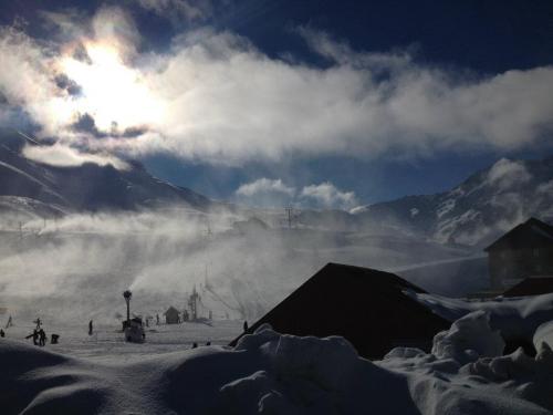 ski snowboard week grupal 4