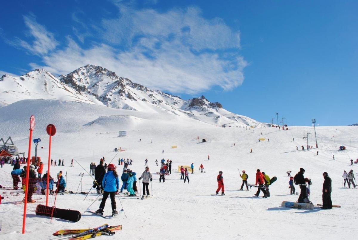 ski snowboard week las lenas grupal amigos familias202