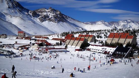 ski snowboard week las lenas grupal amigos familias689