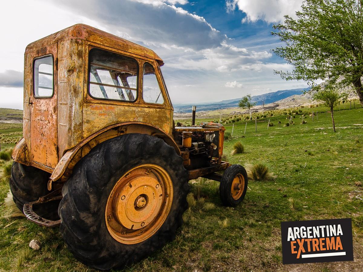 tractor en las sierras1