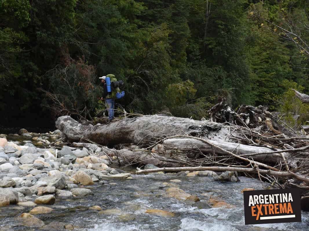 arroyo trekking Cruce Vuriloche