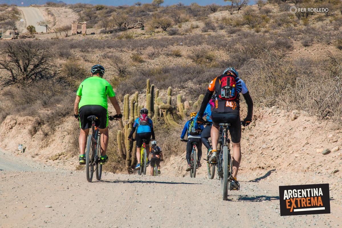 Pedalendo la ruta 40 - Valles Calchaquies